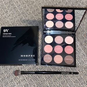 morphe eyeshadow palette + brush